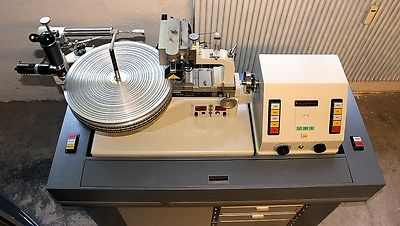 Neumann disc-cutting lathe